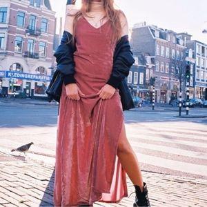 3/$250 - Lovers & Drifters velvet maxi dress